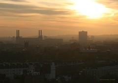 London morning... (lgh75) Tags: london canon pinkfloyd londres batterseapowerplant