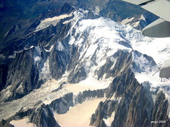 2009_08_30 - 12_49 - Mont Blanc summit -  OTP-GVA-ZRH-HAM - 045 (wogo24220) Tags: france alpes schweiz frankreich europe suisse flight montblanc luftbild airview