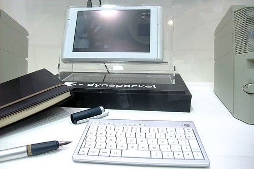 Toshiba dynapocket L01 concept