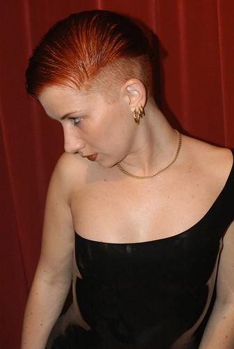 2004. Febr