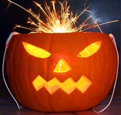 365-132 Halloween Pumpkin (Hotpix [LRPS] Hanx for 1.5M Views) Tags: light party orange halloween face yellow festival work dark pumpkin jack fire glow faces o head cut jackolantern low firework tony celebration lantern sparkler sparks tdk fetes hotpix ambiant punpkin lanten 365days disturbia quotidiae tdktony hotpixorguk tonysmithphotography tdktonysmith