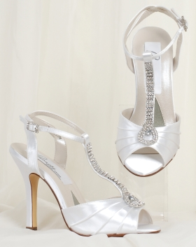 Wedding shoes with rhinestone row.