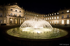 New Castle - Neue Schlo (rbpdesigner) Tags: light slr luz fountain night canon germany newcastle square deutschland lights luces europa europe nightshot stuttgart lumire brunnen hauptbahnhof noturna nocturna getty noite 5d praa luci luzes schloss onsale hbf nuit allemagne fonte nocturne schlossplatz luce alemanha lumires gettyimages rotebhlplatz nachtaufnahme palacesquare imagebank badenwrttemberg kleinerschlossplatz bundesland  famousplace llens canoneos5d neuesschloss bancodeimagens schlos internationallandmark  canonllens venda lentel canonef1635mmf28liiusm estugarda schlosplatz neueschloss velhomundo knigstrase  dasneueschloss bundeslandbadenwrttemberg velhocontinente hauptfusgngerzone