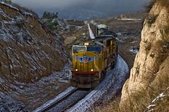 Passing through a Frosty Cut (K-Szok-Photography) Tags: california snow mountains canon outdoors socal canondslr locomotives cajon railroads inlandempire alltrains movingtrains deserttrains sbcusa alltypesoftransport kenszok