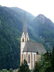 15th century church in Heiligenblut, Austria, in the middle of the Alps (lreed76) Tags: alps austria tp heiligenblut hohetauernnationalpark grossglocknerhighalpineroad 15thcenturychurch