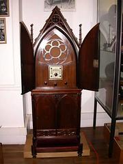 Radio Prie-Dieu pour écouter (religieusement) Radio Vatican-r (Geher) Tags: france radio de son musée sound museums orgues yonne enregistrement barbarie cylindres tournedisques stfargeau limonaires magnétophones