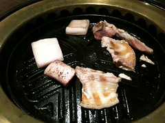 豚肉を焼く