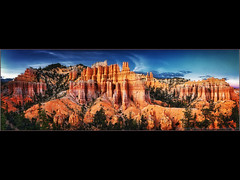 Bryce Monuments (Pear Biter) Tags: park sunset stone landscape utah nationalpark desert hiking spires pano trails canyon explore national bryce pillars frontpage pinnacles hoodoos sandstones grandstaircase coloradoplateau fairylandcanyon queensgardentrail limestones fairylandlooptrail pinkcliffs claron paunsauguntplateau nemzeti mudstones fairylandtrail boatmesa sealcastle greatcathedralofbryce campbellcanyon