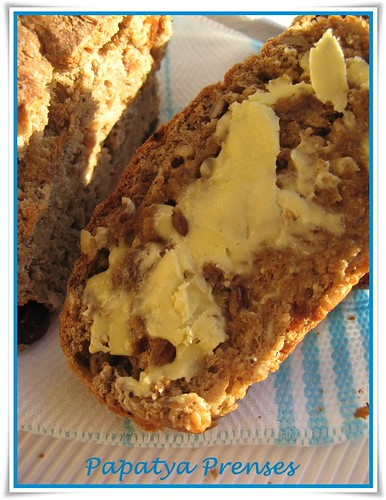 üzümlü 7 tahıl ekmeği