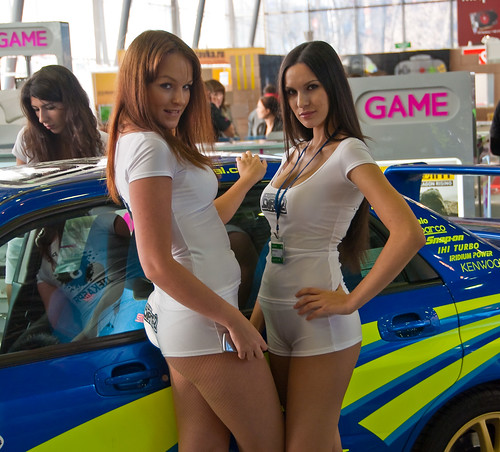 Dirt 2 girls at Igromir 2009