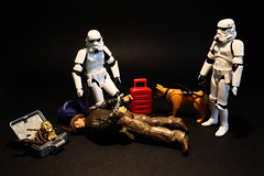 The Empire says NO to antiques smuggling (Stfan) Tags: dog art toy actionfigure starwars traffic stormtroopers indy thief stormtrooper antiques figurine smuggler indianajones jouet hasbro customs trafic antiquities douane antiquits project365 stormtroopers365 lifeonthedeathstar