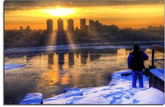 Sometimes You Just Have To Pause (kw~ny) Tags: newyorkcity sunrise newjersey hudson hdr fortlee georgewashingtonbridge martinlutherking washingtonheights newyorkpresbyterianhospital nikond80 kevinwoods tonyshi