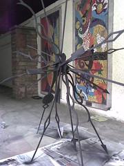 Senhor do tempo. (2007) (Daniella Malta) Tags: sculpture art arte escultura equilbrio ponteiros