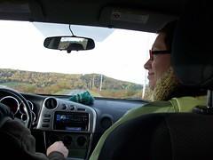 Sheila regarde Ben auto1 (Strength ~vs~ Weakness) Tags: gaspesie pierrelescaut picturesfrompierre valleedematapedia