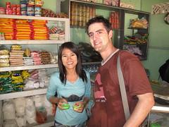 Tanaka paste (Patrice_Muc8) Tags: travel people woman smile shop asia asien skin buddha burma buddhism menschen creme exotic heat myanmar frau burmese birma burman mandalay tanaka lcheln mensch haut mingun exotisch hitze buddhismus zeder geschf zedernholz tanakapaste