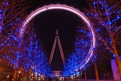 The London Eye, long exposure (Mo Baig) Tags: longexposure london night lights nikon tripod engineering allrightsreserved thelondoneye nikond40x sigma18200mmoshsm mobaig