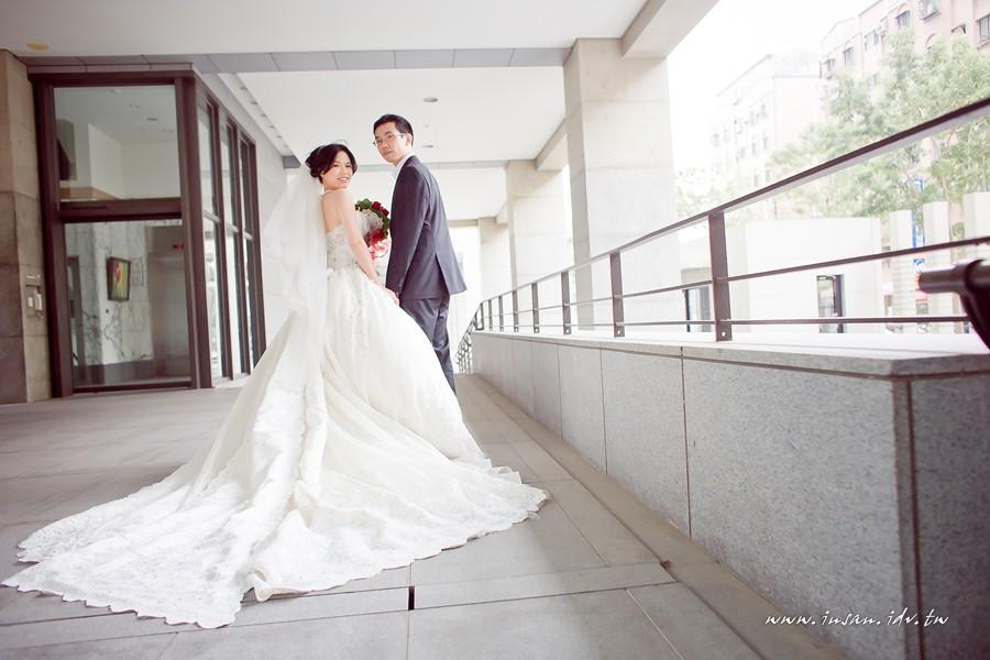 wed110326_0627
