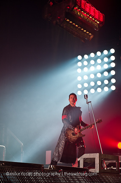 Richard Z. Kruspe and his hydrolic mic stand