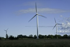 Sky Generation wind turbines (btrplc) Tags: ontario green wind electricity brucepeninsula turbine ferndale renewableenergy shaiagassi betterplace bullfrogpower thesolution jan152009 skygeneration betterplacecom