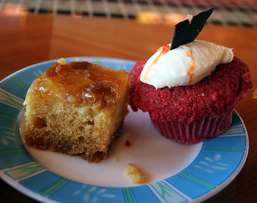 Pineapple Cake, Red Velvet Cupcake (Carnival Splendor)