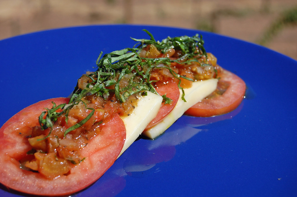 Tomato Basil Cheese - Silvestre Ensenada