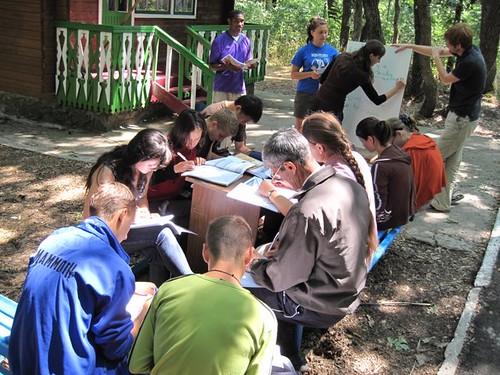 Profesor American predă Engleza la tabăra EFNL