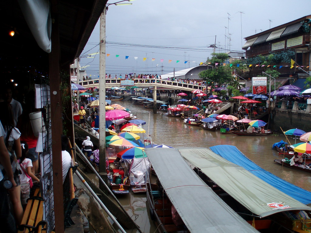 105 Amphawa Floating Market