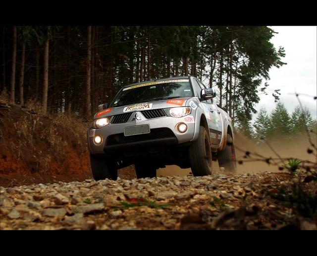 rally pickup sp dust l200 mitsubishi gravel triton taubaté poeira cascalho canons3 alemiro alejr copabrasiloffroad