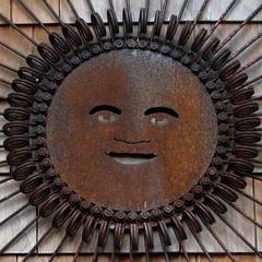 Rustshine (GustavoG) Tags: sculpture sun smile face wall rust farm decoration lavender rusty sequim squircle blush
