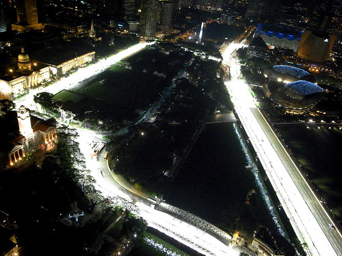 A night shot of the Singapore Formula One circuit
