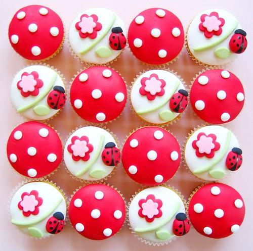 ladybug cupcakes!