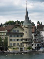 Haus zur Gilgen / Zurgilgen / Gilgenturm der ehemaligen Stadtmauer in der Stadt Luzern / City of Lucerne in der Schweiz (chrchr_75) Tags: city schweiz switzerland suisse swiss luz
