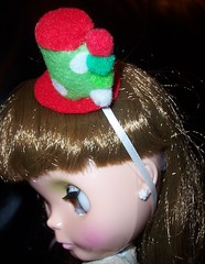 Fun and Festive Mini Top Hat for Blythe! (297/365)