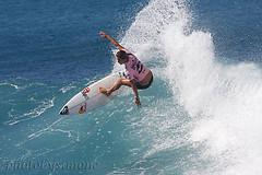Sally Fitzgibbons (simone reddingius) Tags: ocean hawaii women surf waves surfer wave maui surfing roxy redbull wahine honoluabay surfergirl prosurfer billabongpromaui sallyfitzgibbons photobysimone