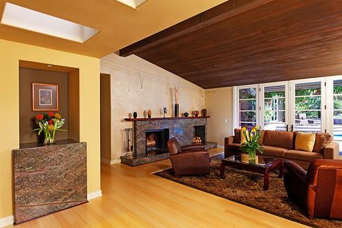 4641 South Lane - (8) entry_living room