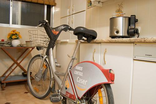 Una bicicleta de Sevici en mi cocina