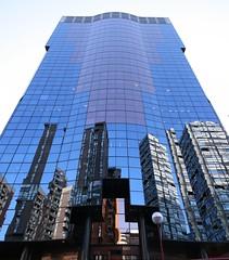 Alfredo Mahou (Panoramica de 3 fotos) (darkside_1) Tags: madrid blue espaa building tower azul reflections torre edificio reflexions cristal reflejos azca sergiozurinaga bydarkside darkside1 alfredomahou edificioalfredomahou