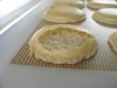 macaron_b3_baked