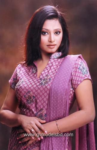 Nahika Bangla