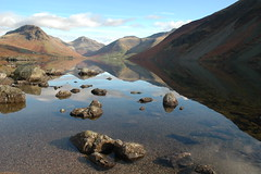 Wast Water (jaybergesen) Tags: autumn england lake fall water reflections mirror nationalpark northwest lakedistrict cumbria lon mere 2009 autumnal wastwater wasdale