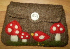 Little red birdie with some toadstools felted brown pouch purse (HandmadebyMia) Tags: bird mushroom felted bag handmade sew felt pouch toadstool reused needlefelted feltpouch handmadebymia
