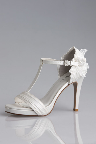 Wedding shoes and accessories from silk.