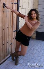 Ruth 001 (Daniel Rocal) Tags: woman girl mujer model chica jessica modelo blonde rubia ruth brunette morena jessicam ruthr darocal danielrodríguezcalvo danielrocal