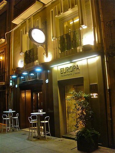Vista exterior nocturna del Hotel Europa