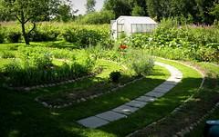 (Sue323 :-)) Tags: canon finland garden rainbow gardening landscaping maria images makeover sue kerimki laakso flowerbeds puutarha anttola easternfinland marialaakso sue323 laaksoimages puutarhaprojekti