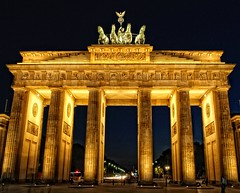 The Brandenburg Gate (Batram) Tags: berlin gate explore tor brandenburger frontpage quadriga brandenburg batram