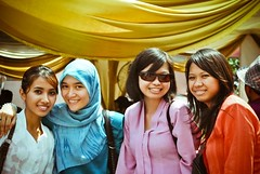 Smile!! (AkueSyazwan) Tags: wedding girls friends hot cute beautiful smile colorful shades gigi senyum cantik awek