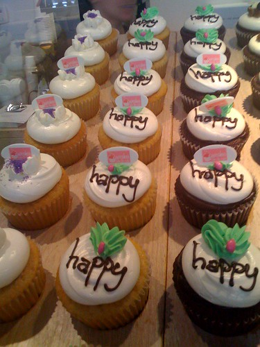 Happy cupcakes at Swirlz!