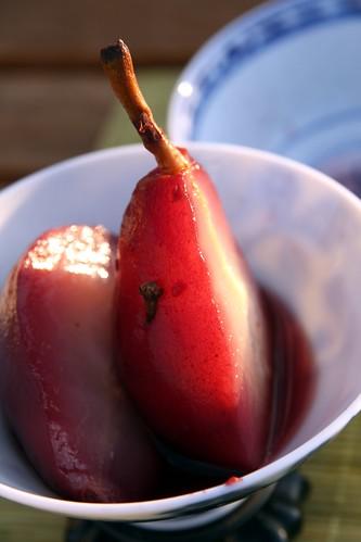 Peras al vino Malvec, con clavo de olor