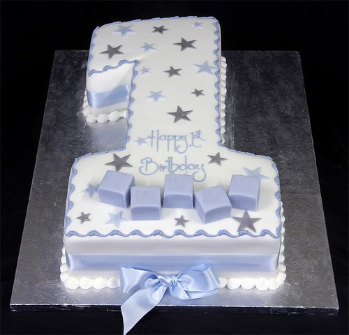 002979 Hand-Cut Figure One Birthday Cake with Stars and Name Blo